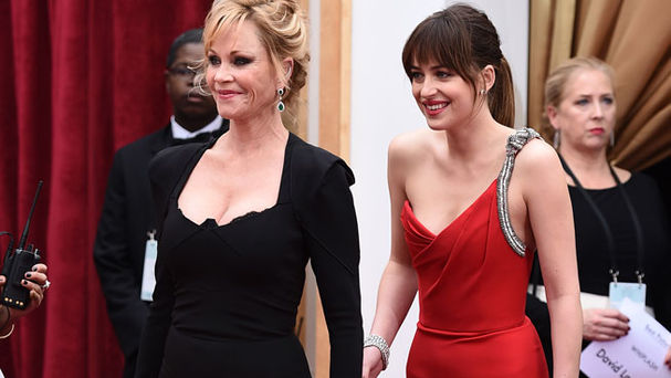 Dakota Johnson junto a Melanie Griffith