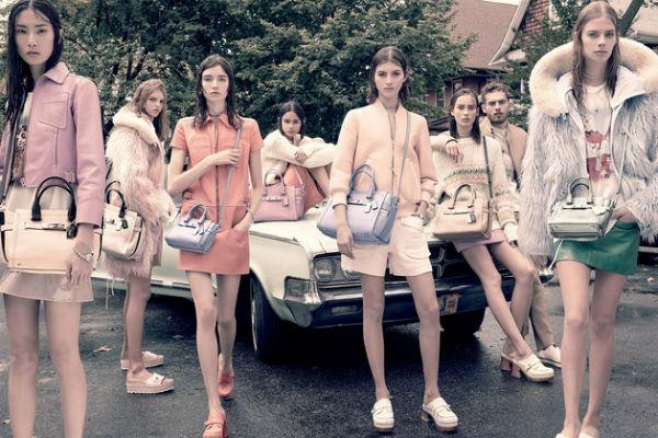 Campaña de Coach, donde todas las modelos lucen el pelo sucio