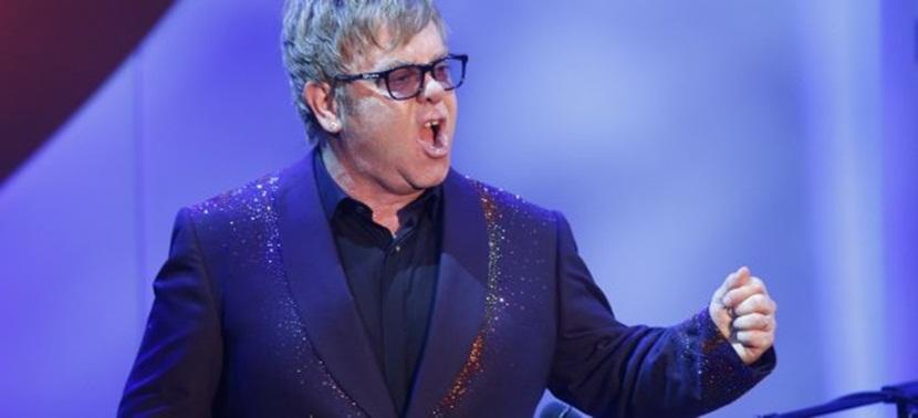 elton john Elton John llama a boicotear a la firma Dolce & Gabbana