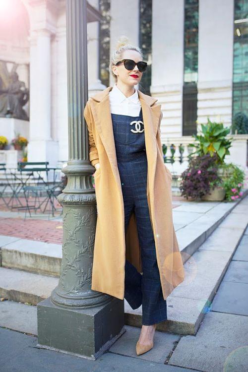 Blair Eadie con maxi abrigo.