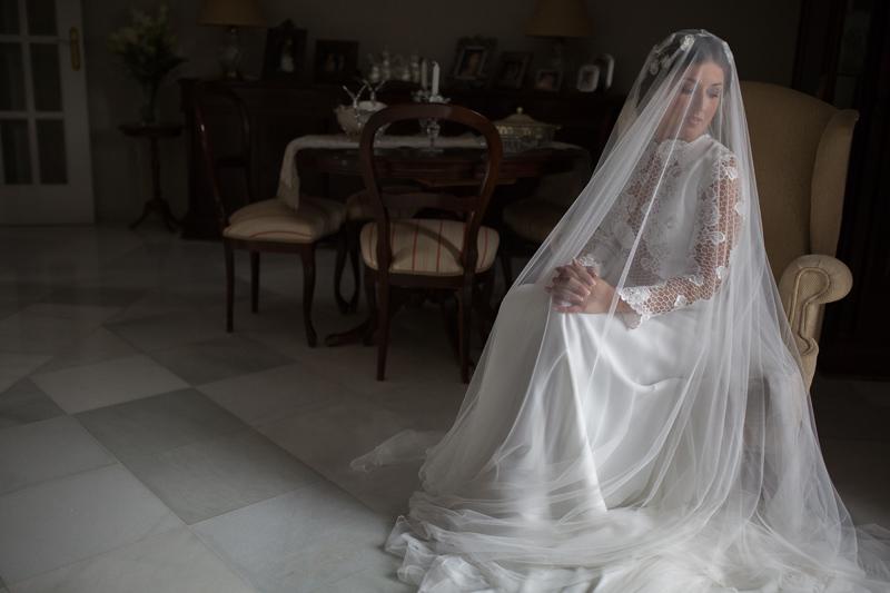 Novia con vestido de Juana Martín