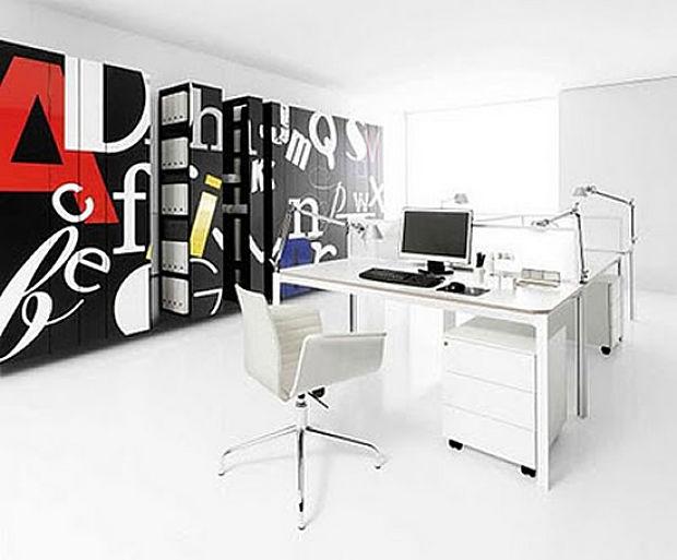 decorar la oficina en blanco